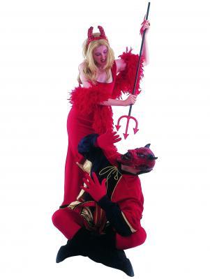 c159-satanic-couple